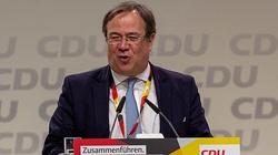 Niemcy: masowa krytyka kandydata na kanclerza po niestosownym zachowaniu na terenach powodziowych - miniaturka