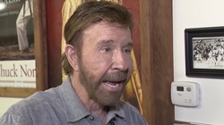 Chuck Norris o szaleństwie aborcji: Dla ludzi gorsze od zabicia dziecka jest używanie plastikowej słomki - miniaturka