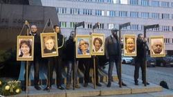 Portrety europosłów na szubienicach. Śledztwo umorzone - miniaturka