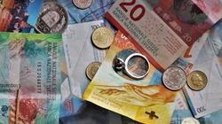 Dobre wieści dla frankowiczów! Sąd unieważnił umowę z bankiem - miniaturka