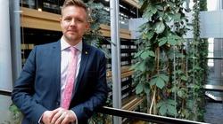 Szwedzki europoseł uczestnikiem orgii. Jego partner skazany za pedofilię - miniaturka