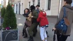 Reżim Łukaszenki zaostrza kurs wobec demonstrantów - miniaturka