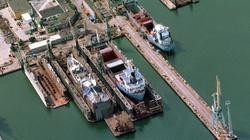 Wypadek w stoczni w Gdyni: tonie statek! - miniaturka