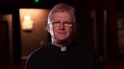Ks. Piotr Glas: Spowiedź. Przecina łańcuch grzechu, którym krępuje nas szatan - miniaturka