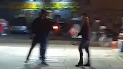 Atak protestujących na księdza! Bili go po brzuchu i głowie. Jest nagranie - miniaturka