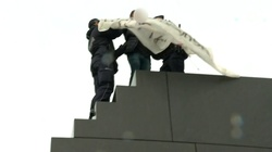 Skandal! Sprofanował smoleński pomnik! - miniaturka