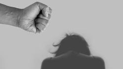 Holandia. Skazano komornika, który wielokrotnie gwałcił swoje klientki - miniaturka