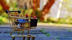 Kuźmiuk: Pierwsze owoce ograniczenia handlu w niedziele - miniaturka