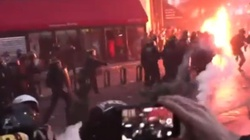 Francja. Demonstranci użyli koktajli Mołotowa. Policjant w płomieniach - miniaturka