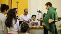 Muzułmanie chrzczą się w protestanckich świątyniach, licząc na azyl - miniaturka