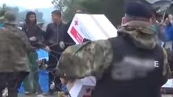 Imigranci brzydzą się jedzeniem Czerwonego Krzyża, bo jest ... chrześcijańskie ZOBACZ SAM - miniaturka