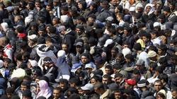 Nielegalni imigranci opanowują Paryż. Żądają legalizacji ich pobytu - miniaturka