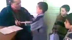 UWAGA DRASTYCZNE! Zobacz co robi pedagog-muzułmanin w szkole - miniaturka