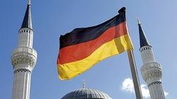 Imigranci zalewają Bawarię. Co zrobi kard. Marx? - miniaturka