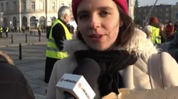 LEKARZA! Klaudia Jachira przeprowadza wywiad z... kukłą w masce Pierwszej Damy - miniaturka