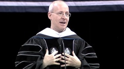 O. James Martin SJ: Kobiety powinny głosić kazania - miniaturka