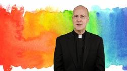 O. J. Martin zarzuca polskim biskupom homofobię. Powołuje się na papieża - miniaturka