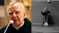 Czy cierpienie oznacza, że Boga nie ma? Posłuchaj abp. Jędraszewskiego! - miniaturka