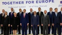 Polska gospodarzem szczytu Together for Europe. Premier przywitał gości na Zamku Królewskim - miniaturka