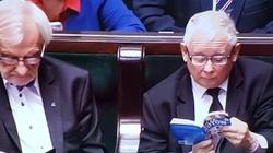 Kaczyński z kotem znów gwiazdami internetu - miniaturka