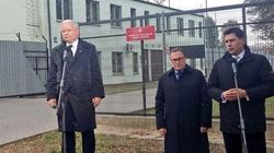 Jarosław Kaczyński: Domagamy, by nie pokazywać fikcji - miniaturka