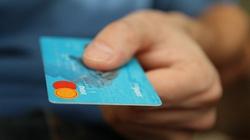 Karty płatnicze dla uchodźców! Koszt? 350 mln Euro - miniaturka