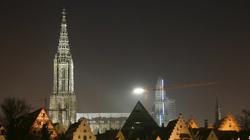 Co za swołocz! Oto, co w Niemczech robią z najwyższą katedrą świata! - miniaturka