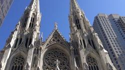 Próba podpalenia katedry w Nowym Jorku?! Zatrzymano mężczyznę z kanistrami - miniaturka