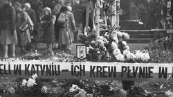 """Przedstawiciele rządu na Mszy Świętej Katyńskiej. """"Hołd dla tych, którzy w dowód wierności Ojczyźnie złożyli Jej ofiarę życia"""" - miniaturka"""