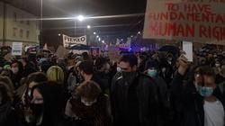 Protesty aborcjonistów. Szturmowano dom abp. Gądeckiego  - miniaturka