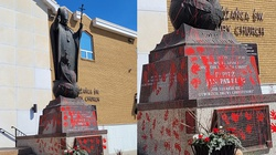 Antypolonizm i chrystianofiobia dotarły do Kanady. Zdewastowano pomnik św. Jana Pawła II - miniaturka