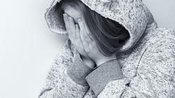 USA: Zmuszał adoptowane córki do seksu. Uniknie więzienia - miniaturka