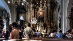 Więcej Polaków uczęszcza na msze święte - miniaturka
