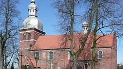 Boże, ocal Polskę. Coraz mniej Polaków chodzi do kościoła - miniaturka