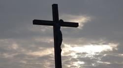 Dramatyczny apel kard. Bagnasco o wierność Chrystusowi - miniaturka