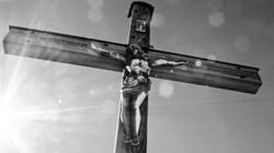 Chiny: Chrześcijanie protestują przeciwko niszczeniu krzyży. Produkują krzyże - miniaturka
