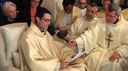 Zmarł chory ksiądz, który odebrał telefon od papieża - miniaturka