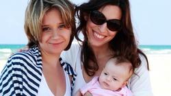 Dwie lesbijki mogą być rodzicami. Niepokojący nakaz polskiego sądu - miniaturka