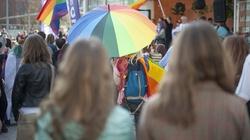 Scenariusz nowej rewolucji: Wywołać wstyd i poczucie winy u przeciwników LGBT - miniaturka