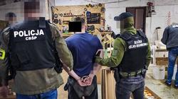 Policja przejęła 3 tony nielegalnych papierosów - miniaturka