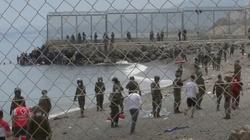 [Wideo] Hiszpania. Wojsko wrzuca imigrantów z powrotem do morza - miniaturka