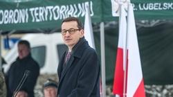 Morawiecki: Dziś z dumą odbudowujemy wielkie tradycje Wojska Polskiego - miniaturka