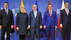 Premier Mateusz Morawiecki spotkał się z Junckerem. O czym rozmawiano? - miniaturka