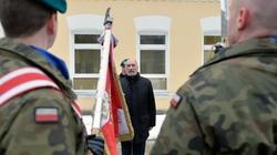 Minister Macierewicz otworzył punkt informacyjny dla kandydatów do Wojsk Obrony Terytorialnej - miniaturka