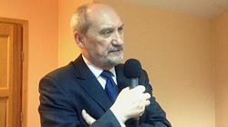 Macierewicz: Demokracja UE to już tylko propaganda - miniaturka