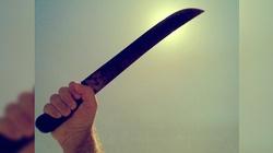 Obcokrajowcy zaatakowali 25-latka maczetą! Znalazł się w szpitalu - miniaturka