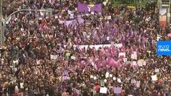 120 tys. hiszpańskich feministek protestowało w głównym ognisku wirusa - miniaturka