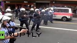 W Europie wrze. Policja otwiera ogień do manifestantów - miniaturka