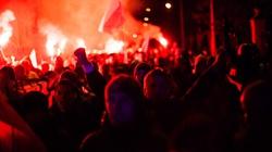 Flaga spalona, marsz spokojny - miniaturka