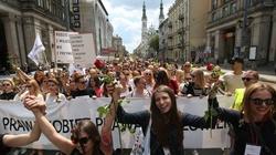 Dziś przeszedł Marsz Godności - kobiety dokonały publicznego Gwałtu na Umyśle! - miniaturka